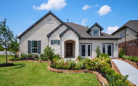 CastleRock Communities model home in Lakes of Savannah